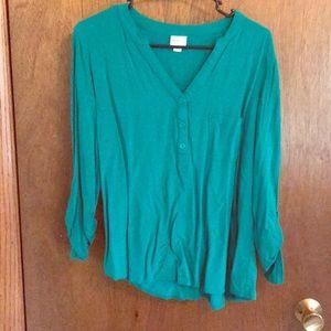 3/4 sleeve green shirt